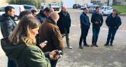 Après la théorie, les CAP d'Agrosud sont passés à la pratique, GPS en main. Photo : Agrosud