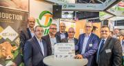 Axéréal et Capel ont signé un partenriat au Sommet de l'élevage le 4 octobre à Clermont-Ferrand sur les productions d'œufs, de porcs et de canards à gaver. © Axéréal-Capel