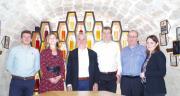 De gauche à droite : Florent Ehry, chef marché antimildiou, Carine Reyniers, directrice marketing et développement, Philippe Hamelin, directeur général de Phyteurop, Jérôme Rouveure, chef marché anti-oidium, et Philippe Crozier, responsable technique vigne,