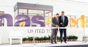 Jean-Luc Capes, président de MAS Seeds et Philippe Carré, directeur général du groupe Maïsadour inaugurent le siège social et la nouvelle station de recherche de Mas Seeds en Ukraine. Photo : DR