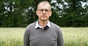 Laurent Saquet, directeur du négoce Houel : « La situation actuelle de marché, qui pénalise les trésoreries de nos clients éleveurs, va impacter indirectement l'entreprise dans quelques mois avec des cas d'impayés et des allongements des délais de paiement. » Photos : SARL Houel