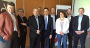 Pascal Ramondenc, directeur d'Axso, et Michel Montet, président d'Axso et directeur des productions végétales de Maïsadour, entourés de membres du Comex. Photo : A.Lavoisier/Pixel Image.