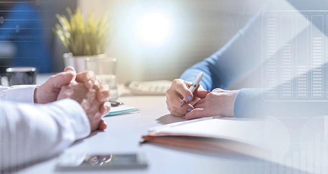 Les parties prenantes seront à prioriser en fonction de leur capacité à soutenir les performances de l'entreprise et à rassurer  sur les risques qu'elles peuvent faire peser sur les décisions prises et à prendre.