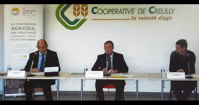 De g. à d. : Stéphane Carel, Pascal Desvages et Gilles Haelewyn, respectivement directeur, président et vice-président de la coopérative. CP : H. Sauvage/Média et Agriculture.