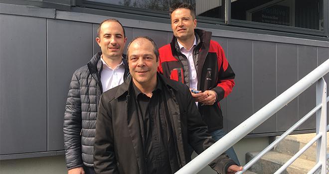 De gauche à droite : Pierre Olçomendy, chef produits, Christophe Zugaj, responsable de la communication, et Arnaud Hot, directeur du site de production De Sangosse. CP : Hélène Sauvage/Média et Agriculture