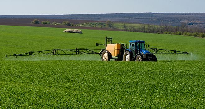 « Interdire les pesticides les plus dangereux pour la santé humaine et pour l'environnement. » © Diyanadimitrova/Fotolia