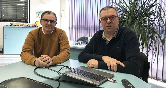 Jean-Yves Moizant et Christian Cordonnier se sont félicités des bons résultats de la filiale Terre Atlantique Jardin. Photo : Terre Atlantique