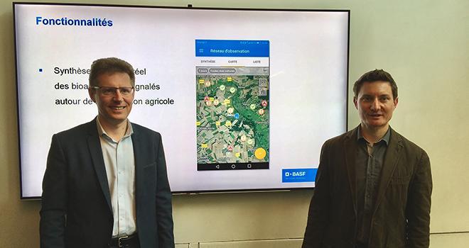 Jérôme Clair (à gauche) et Yohann Béréziat de BASF ont présenté Companion, application collaborative de surveillance des cultures. © S.Bot/Pixel Image