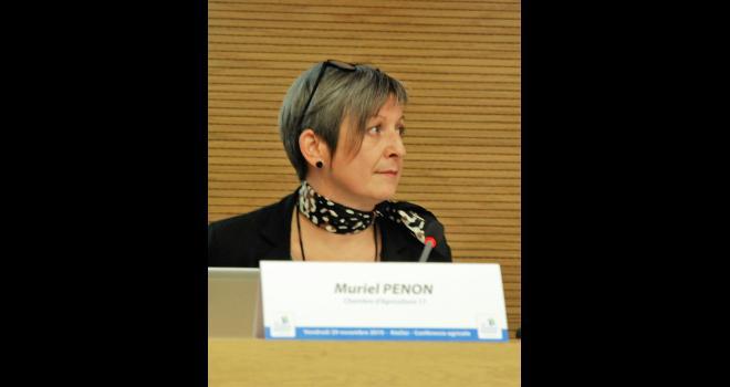 « Nous ne sommes pas un club féministe et nous ne voulons pas mettre les hommes dehors, mais faire entendre que la mixité est nécessaire et contribue à enrichir les débats ! », indique Muriel Penon. CP : O.Lévêque/Pixel6TM