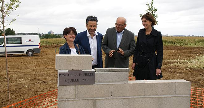 Pose de la première pierre du futur siège social de Ternovéo à Saint-Quentin (02).
