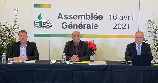 Thomas Quillévéré, secrétaire général, Marc Keranguéven, président, et Olivier Sinquin, directeur de la Sica de St-Pol-de-Léon. Photo : Sica de Saint-Pol-de-Léon